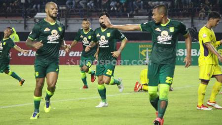 Pemain klub Liga 1 Persebaya mulai banyak yang memutuskan untuk pulang ke kampung halamannya akibat virus Corona. - INDOSPORT