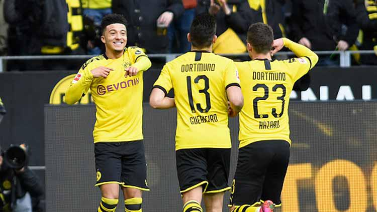 Selebrasi Borussia Dortmund usai Jadon Sancho menjebol gawang Freiburg dalam pertandingan Bundesliga Jerman 2019-2020 pekan ke-24 di Signal Iduna Park Copyright: DeFodi Images/GettyImages