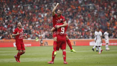 Selebrasi pemain Persija, Marko Simic usai mencetak gol ke gawang Borneo FC pada Liga 1 di Stadion Gelora Bung Karno, Minggu (01/03/2020). - INDOSPORT