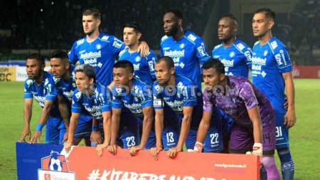 Para pemain Persib Bandung tak bisa bersantai karena mendapatkan materi latihan berat di tengah pandemi virus corona. - INDOSPORT