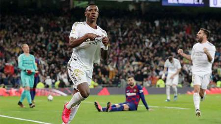 Raksasa LaLiga Spanyol, Barcelona, menjadi bulan-bulanan pencinta sepak bola di dunia maya setelah menelan kekalahan dari Real Madrid dalam laga El Clasico. - INDOSPORT