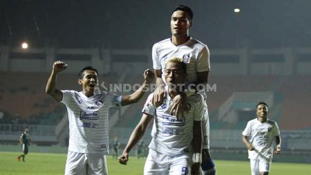 Striker Arema FC, Kushedya Hari Yudo usai mencetak gol ke gawang Persikabo di Liga 1 2019 lalu. - INDOSPORT
