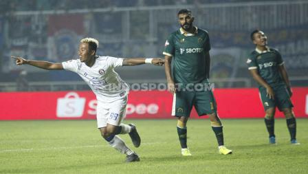 Tiga poin perdana Arema FC di Liga 1 2020.