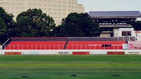 PSM Makassar tengah mencari kandang alternatif dan berikut lima stadion di Pulau Sulawesi yang layak dijadikan opsi untuk digunakan mengarungi ajang Liga 1. Salah satunya Stadion Klabat. - INDOSPORT
