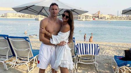 Nemanja Matic dan istri Aleksandra Pavic. - INDOSPORT
