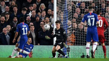Chelsea disarankan membeli kiper baru menggantikan Kepa Arrizabalaga agar bisa bersaing dengan dua klub Liga Inggris, Liverpool dan Manchester City. - INDOSPORT