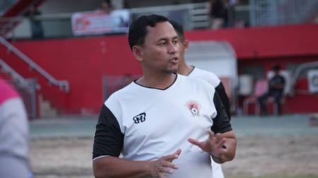 Pelatih Kalteng Putra, Eko Tamamie. - INDOSPORT