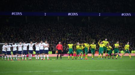 Laga Piala FA antara Tottenham Hotspur vs Norwich City, Kamis (05/03/20), harus diakhiri dengan adu penalti. - INDOSPORT