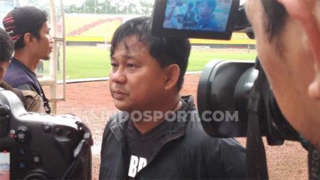 Pelatih Sriwijaya FC Budiarjo Thalib memberikan komentar terkait wacana regulasi baru Liga 2 musim ini. - INDOSPORT