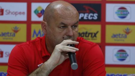 Pelatih PSM Makassar, Bojan Hodak, bakal tetap mewaspadai calon lawannya untuk pekan ketiga Liga 1 2020, Barito Putera. - INDOSPORT
