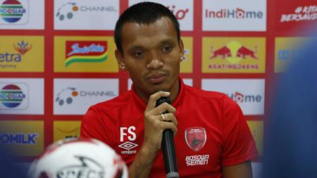 Ferdinand Sinaga, sangat merindukan riuh teriakan suporter setiap saat klubnya PSM Makassar berlaga Liga 1 di Stadion Andi Mattalatta. - INDOSPORT