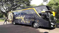 Indosport - Bus Arema FC untuk Liga 1 musim 2020 lalu. Tim Singo Edan akan kembali meluncurkan bus baru dengan desain khusus musim ini.