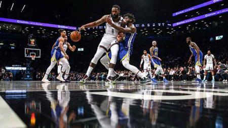 Pertandingan NBA antara Golden State Warriors vs Brooklyn Nets yang masih tidak diperkuat oleh Stephen Curry. - INDOSPORT