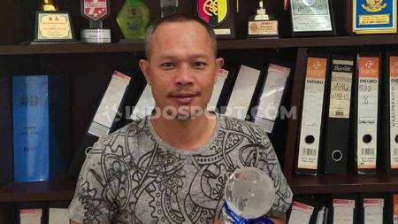 Mantan pemain PSMS dan Persebaya Surabaya serta Timnas Indonesia di SEA Games 2001 dan 2003, Edu Juanda. - INDOSPORT
