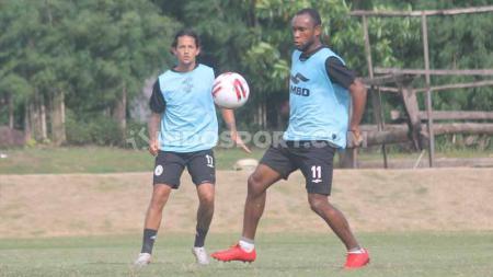 Gelandang anyar klub Liga 1 PSS Sleman, Zah Rahan Krangar mulai menyatu dengan pola permainan racikan Dejan Antonic. - INDOSPORT