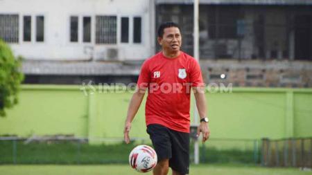 Pelatih PSMS Medan, Philep Hansen, mengatakan awal Juli 2020 seluruh pemain sudah bisa berkumpul dan latihan bersama, - INDOSPORT