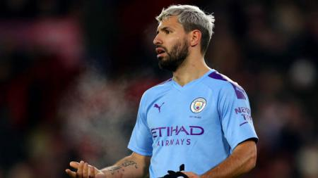 Striker klub Liga Inggris, Manchester City, Sergio Aguero berpotensi merumput bareng PSG pada bursa transfer nanti gara-gara Mauricio Pochettino. - INDOSPORT