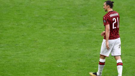 Zlatan Ibrahimovic siap untuk menjadi ujung tombak AC Milan kontra AS Roma dalam pekan lanjutan kompetisi Serie A Liga Italia pada pekan ke-28. - INDOSPORT