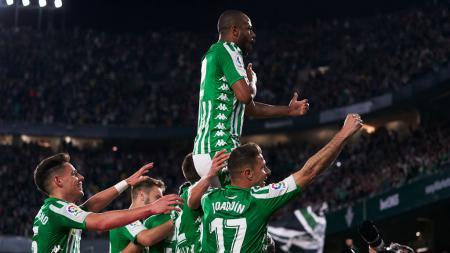 Skuat Real Betis usai mencetak gol ke gawang Real Madrid - INDOSPORT
