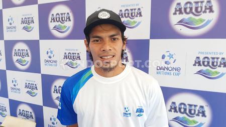 Gelandang klub Liga 1 PSM Makassar, Rasyid Bakri, di ajang Aqua DNC 2020 Regional Makassar, Minggu (8/3/20). - INDOSPORT