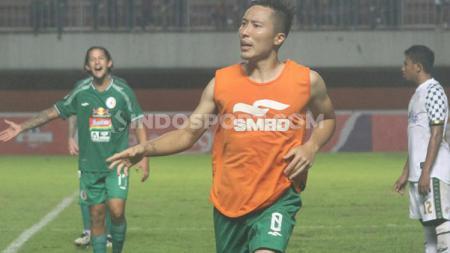 Bek PSS Sleman, Arthur Irawan, saat laga melawan Tira Persikabo - INDOSPORT