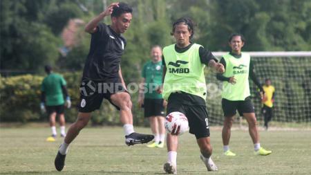 Sebanyak 21 personel diboyong pelatih Dejan Antonic untuk menghadapi Persib Bandung pada lanjutan Liga 1 2020. - INDOSPORT