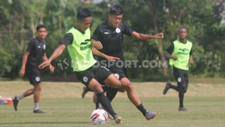PSS Sleman terus bersiap diri jelang menghadapi sang pemuncak klasemen sementara Liga 1 2020, Persib Bandung. - INDOSPORT