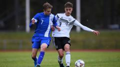 Indosport - Raksasa Liga Inggris, Chelsea, dikabarkan telah mengamankan jasa wonderkid Finlandia, Jimi Tauriainen (kiri).