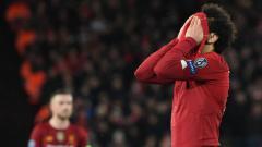 Indosport - Mohamed Salah meluapkan kekesalannya usai Liverpool tersingkir dari Liga Champions
