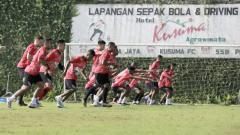 Indosport - Latihan klub Liga 1 Persipura Jayapura akan disesuaikan dengan situasi dan kondisi di tengah maraknya penyebaran virus Corona.