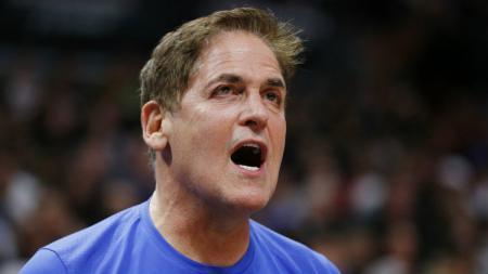 Bos Dallas Mavericks, Mark Cuban meminta NBA tetap di lanjutkan di tengah-tengah pandemi virus Corona, kenapa? - INDOSPORT