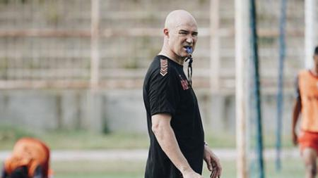 Pelatih asal Spanyol, Rafael Berges Marin dikabarkan bergabung dengan Mitra Kukar. - INDOSPORT