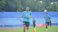 Indosport - Striker tim sepak bola Sriwijaya FC, Rudiyana memetik pelajaran dari pemain asing Persib Bandung, Wander Luiz yang dinyatakan positif virus corona atau Covid-19.