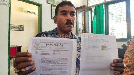 Sekretaris klub PSMS Medan, Julius Raja. - INDOSPORT