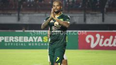 Indosport - Masa depan pemain asing Persebaya Surabaya masih belum jelas, padahal Liga 1 2020 akan kembali dilanjutkan 1 Oktober mendatang.