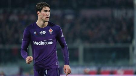 Serius Incar Dusan Vlahovic, AC Milan Perang Lawan AS Roma dan Atletico - INDOSPORT