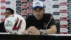 Indosport - Pelatih PSIM Yogyakarta, Seto Nurdiyantoro meminta maaf kepada suporter atas hasil negatif pada laga perdana PSIM di Liga 2 2021.