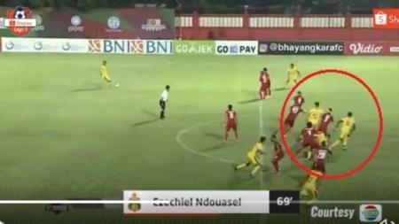 Gol Ezechiel N'Douassel di laga pekan ke-3 Liga 1 2020 Bhayangkara FC vs Persija Jakarta, Sabtu (14/03/20). - INDOSPORT