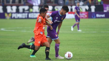 Pelatih Persik Kediri, Joko 'Gethuk' Susilo akan menjadikan kontrol emosi sebagai prioritas utamanya dalam evaluasi tim selama tiga pekan Liga 1 2020.laga Persik Kediri vs Persiraja Banda Aceh - INDOSPORT