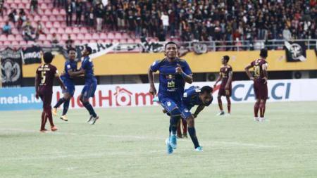 Media Malaysia soroti penalti siluman di laga perdana Liga 2 2020 antara Sriwijaya FC vs PSIM Yogyakarta. - INDOSPORT