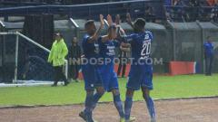 Indosport - Persib Bandung untuk sementara unggul atas klub Liga India, Kerala Blasters, dan berpeluang tembus delapan besar dunia.