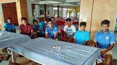 Indosport - Pemain klub Liga 2, Putra Sinar Giri (PSG) beberapa waktu lalu.