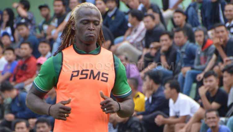 Mohamadou Alhadji saat berseragam PSMS Medan di Liga 2 musim 2019 lalu. Copyright: Aldi Aulia Anwar/INDOSPORT