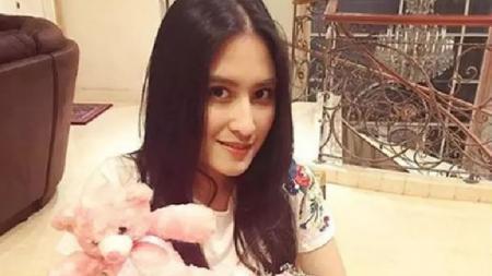 Aktris ibu kota, Angbeen Rishi. - INDOSPORT