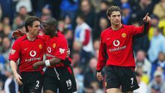 Indosport - Gary Neville, Eric Djemba-Djemba, dan Cristiano Ronaldo saat masih berseragam Manchester United.