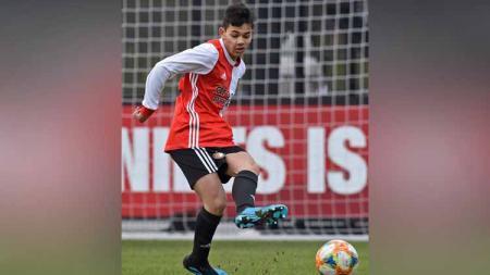 Timnas Indonesia suatu saat nanti mungkin saja memiliki duet bek sayap Eropa, yakni Lorenzo Raharing dan Max Christoffel. - INDOSPORT