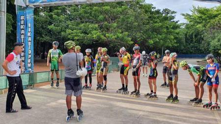 Atlet Sepatu Roda Papua tetap jalani pemusatan latihan (TC) di Bekasi. - INDOSPORT