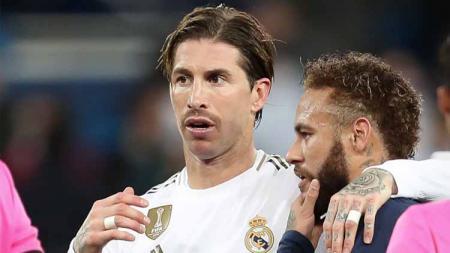 Muak dengan raksasa LaLiga Spanyol, Real Madrid, Sergio Ramos 'ngemis bantuan' ke Neymar demi gabung PSG. - INDOSPORT