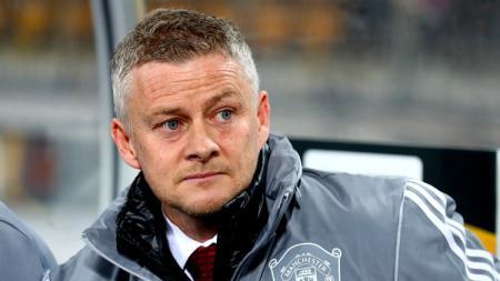 Manajer Manchester United, Ole Gunnar Solskjaer, menjadi sasaran lelucon para netizen usai kemenangan timnya di Carabao Cup. - INDOSPORT