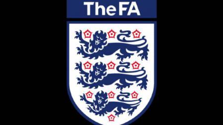 Federasi sepak bola Inggris (FA) resmi menghentikan Non-League Division, kompetisi liga domestik 2019/20 mulai dari divisi ketujuh ke bawah dengan menghapuskan liga secara sepenuhnya. - INDOSPORT